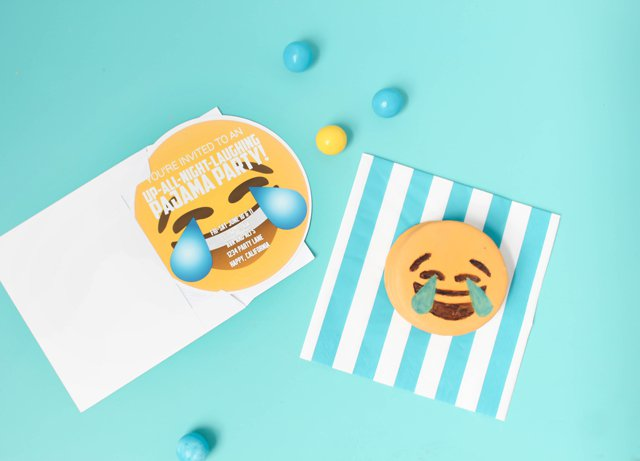 Free Birthday Emojis ~ Emoji invitation emoji birthday invitation emoji birthday party